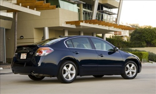 nissan altima 499x300 Top 10 Best Selling Cars in America