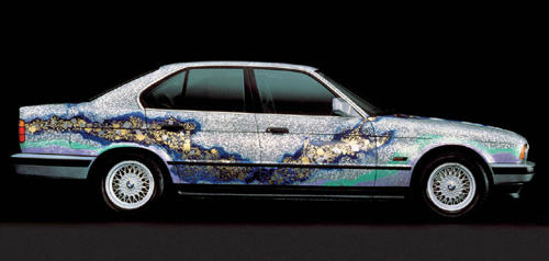 Symbiosis between BMW cars and art