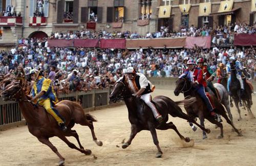 palio race06 Sienas Palio Horse Race