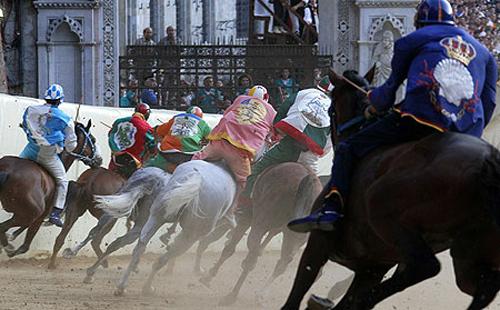 palio race11 Sienas Palio Horse Race