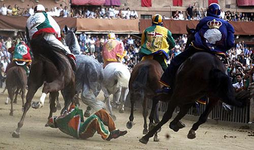 palio race12 Sienas Palio Horse Race