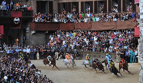 palio race13 Sienas Palio Horse Race