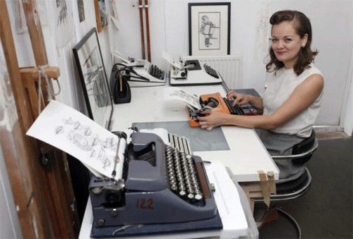 Using Typewriters To Create Art