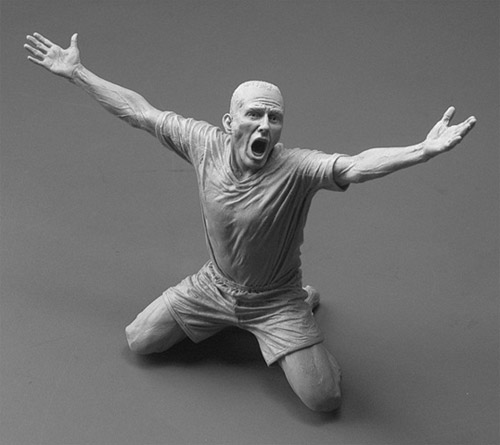 soccer player realistic sculpture Delicate Sculptures Made From Special Material