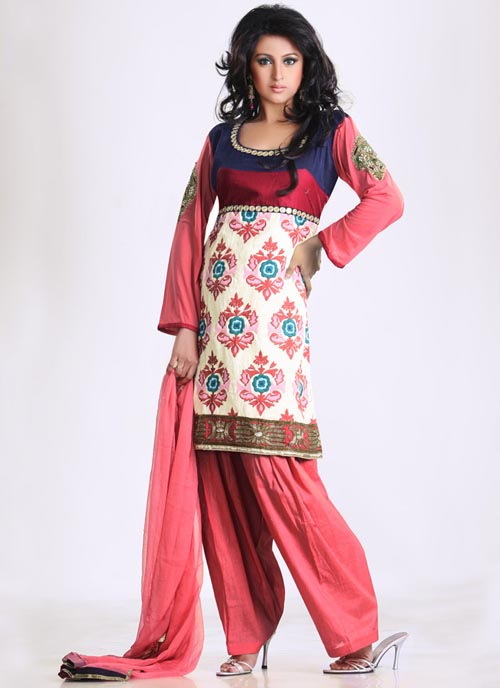 Salwar Kameez02 Salwar Kameez  unisex dress from South and Central Asia