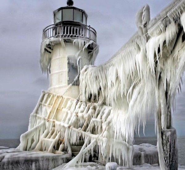 Frozen lighthouse by Thomas Zakowski